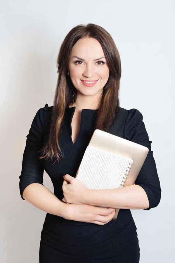 Lash-ed-Writer-Hanna-Putjato